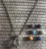 Halskette Aromatherapie Blume mit kleinen Lavasteinchen